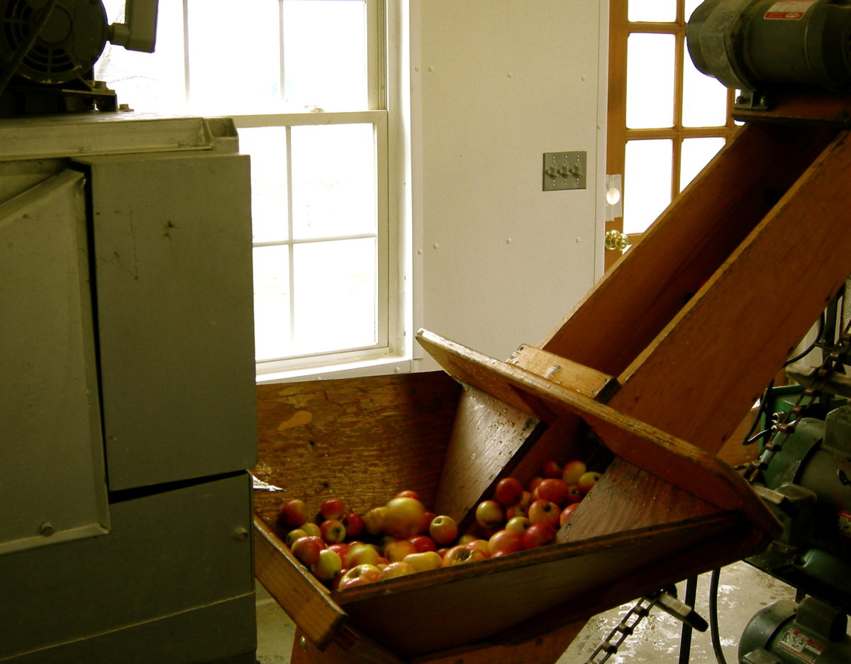 apple farm and cider brewery tour
